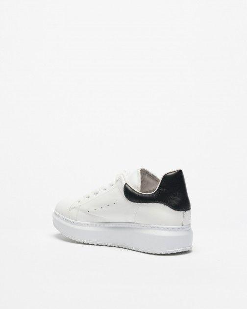 Ilenia P. Sneakers