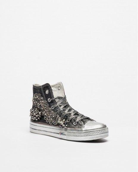 Nan-Ku Sneakers