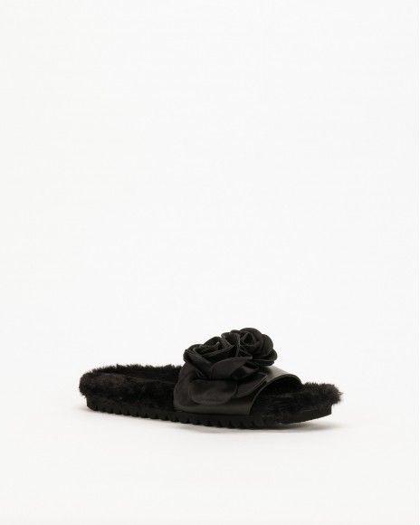 Ilenia P. Flip Flops